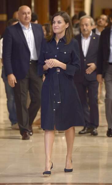 La reine Letizia d'Espagne dans sa robe Hugo Boss le 26 juillet 2018.
