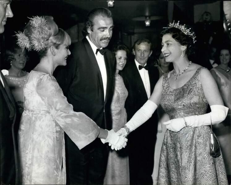 Elizabeth II et Sean Connery