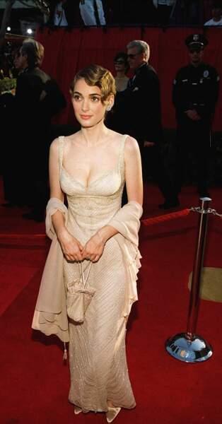 Winona Ryder, sur le tapis rouge des Oscars 1996