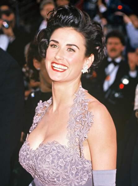 Demi Moore est sa coupe courte brushée, aux Oscars en 1992
