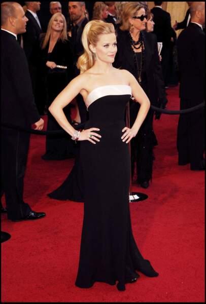 Reese Witherspoon et sa queue de cheval haute, aux Oscars 2011