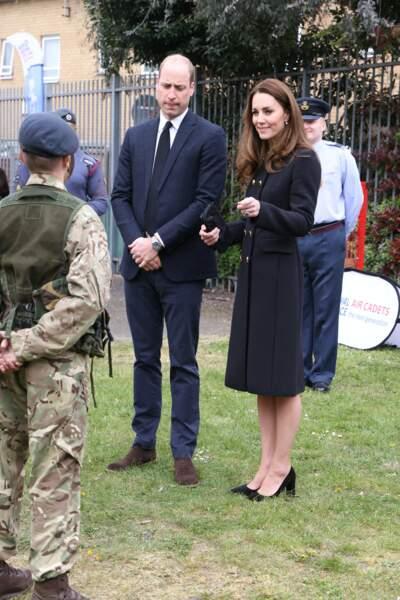 Le prince William et Kate Middleton ont rendu hommage au prince d'Edimbourg lors d'une visite officielle ce 21 avril à Londres