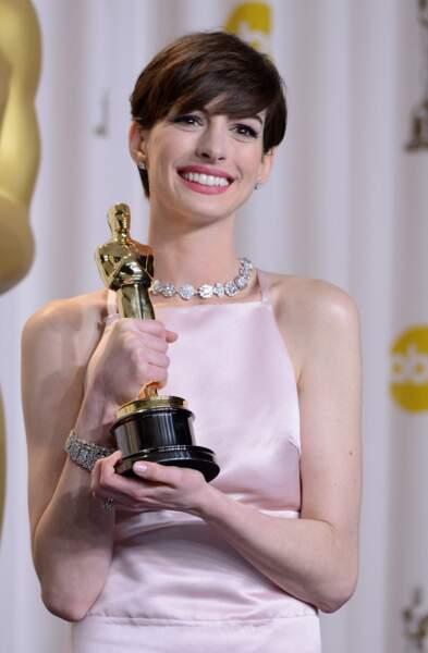 Anne Hathaway et sa coupe garçonne aux Oscars en 2013