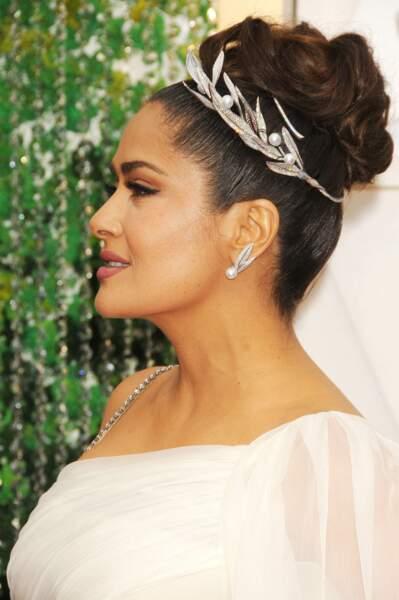 Le chignon façon déesse grecque de Salma Hayek aux Oscars 2020