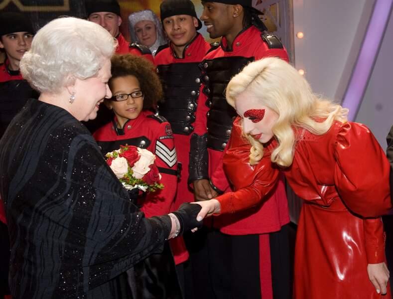 Elizabeth II et Lady Gaga