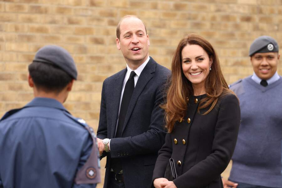 Kate Middleton et le prince William en visite au centre RAF Air Cadets à Londres, le 21 avril 2021