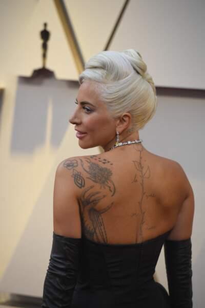 Lady Gaga et son chignon banane platine, aux Oscars 2019