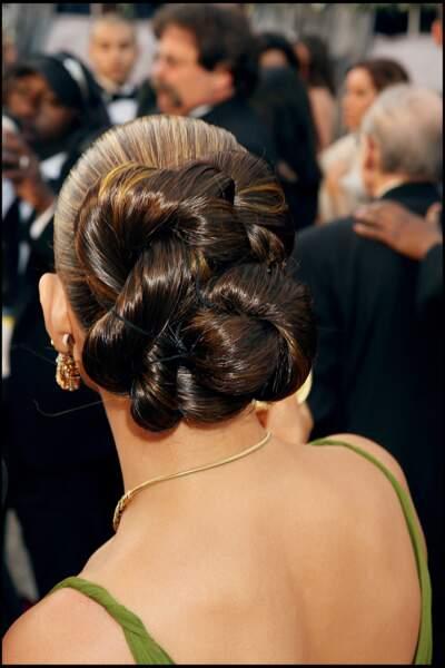 Jennifer Lopez et son chignon twist aux Oscars 2006