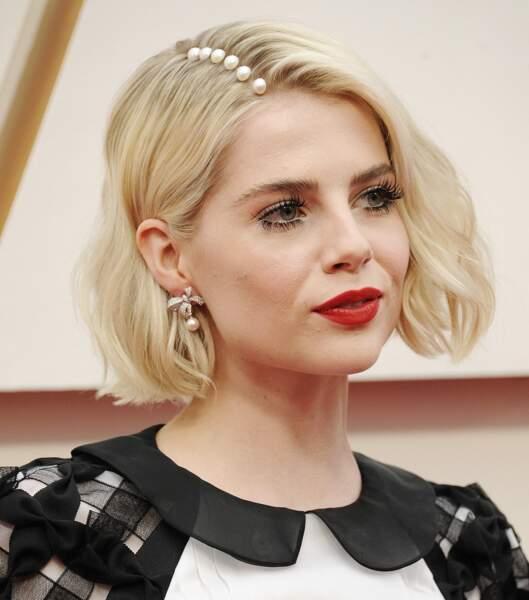 Lucy Boynton et sa raie de perles aux Oscars 2020