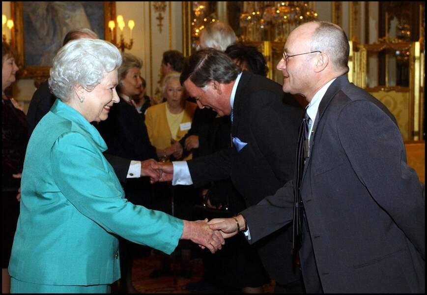 Elizabeth II et Phil Collins