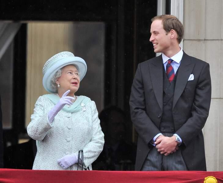 La reine Elizabeth II et William, en juin 2012