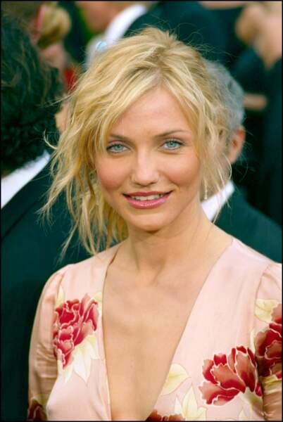 Le chignon coiffé décoiffé de Cameron Diaz, aux Oscars 2002