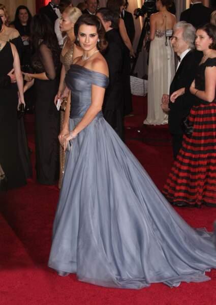 Le carré rétro de Penelope Cruz aux Oscars 2012