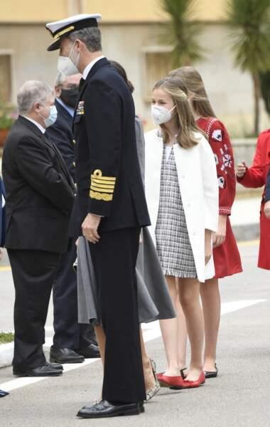 Le roi Felipe VI d'Espagne et ses filles, Leonor et Sofia, lors du lancement du sous-marin Isaac Peral en Espagne ce 22 avril