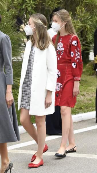 La princesse Leonor et L'infante Sofia d'Espagne assistent à l'inauguration du sous-marin Isaac Peral en Espagne ce 22 avril
