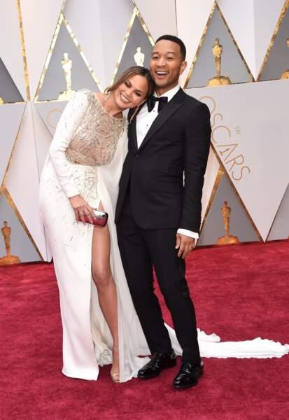 John Legend et sa femme Chrissy Teigen lors de la 89e cérémonie des Oscars.