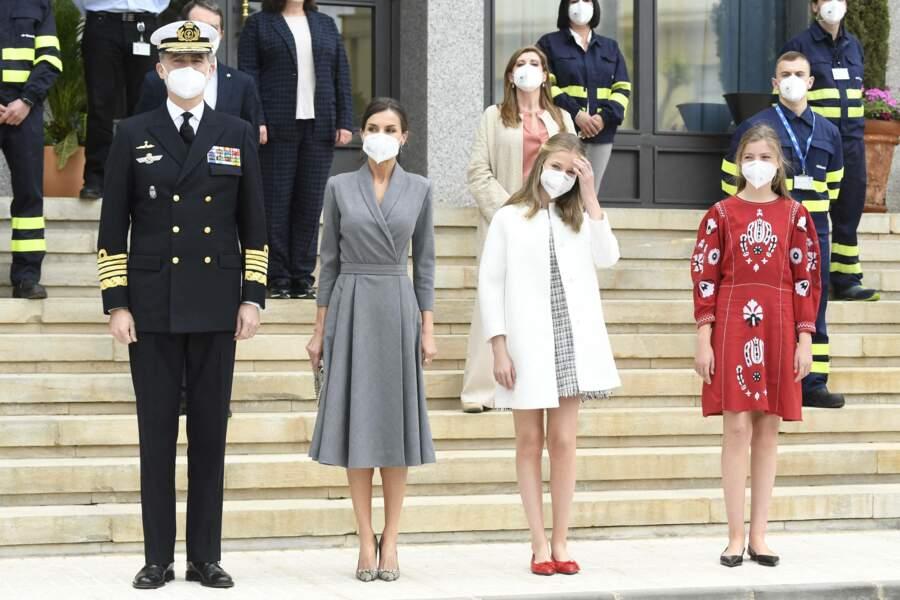 Le roi Felipe VI d'Espagne, la reine Letizia, la princesse Leonor et l'infante Sofia à Carthagène, en Espagne, le 22 avril 2021.