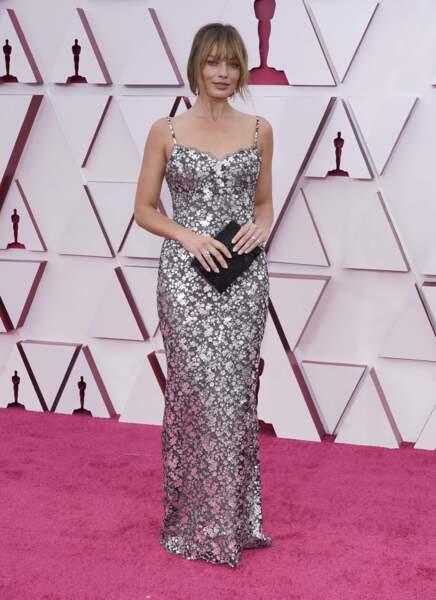 Margot Robbie en robe nuisette fleurie Chanel lors de la 93e cérémonie des Oscars le 25 avril 2021.