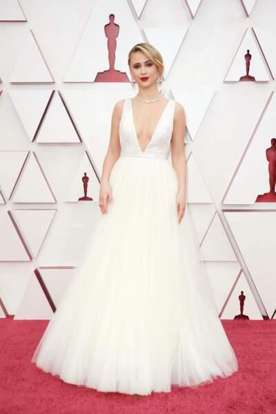 Maria Bakalova en robe Louis Vuitton lors de la 93e cérémonie des Oscars le 25 avril 2021.
