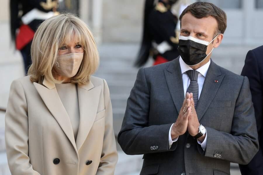 Brigitte Macron et Emmanuel Macron reçoivent le président de la République fédérale d'Allemagne, et sa femme, la première Dame pour un déjeuner de travail au palais de l'Elysée à Paris, le 26 avril 2021