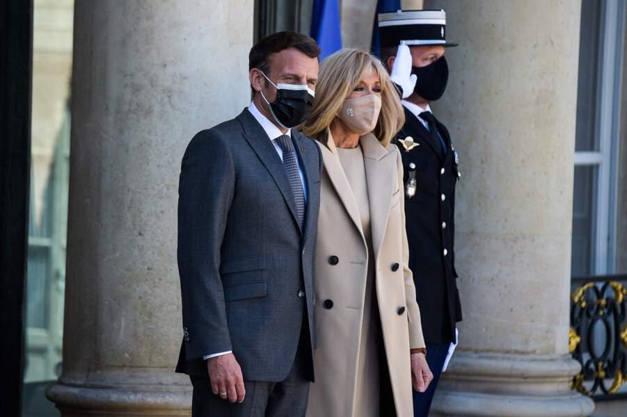 Brigitte Macron: nouvelle apparition très lookée aux côtés d'Emmanuel Macron alors qu'ils reçoivent le président Frank-Walter Steinmeier et sa femme Elke Buedenbender pour un déjeuner de travail au palais de l'Elysée à Paris, le 26 avril 2021