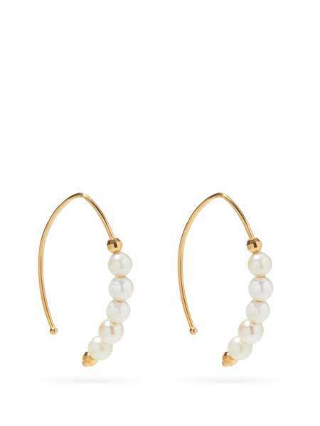 Boucles d'oreille en or 14 carats à perles, 352€, Mizuki sur Matches Fashion