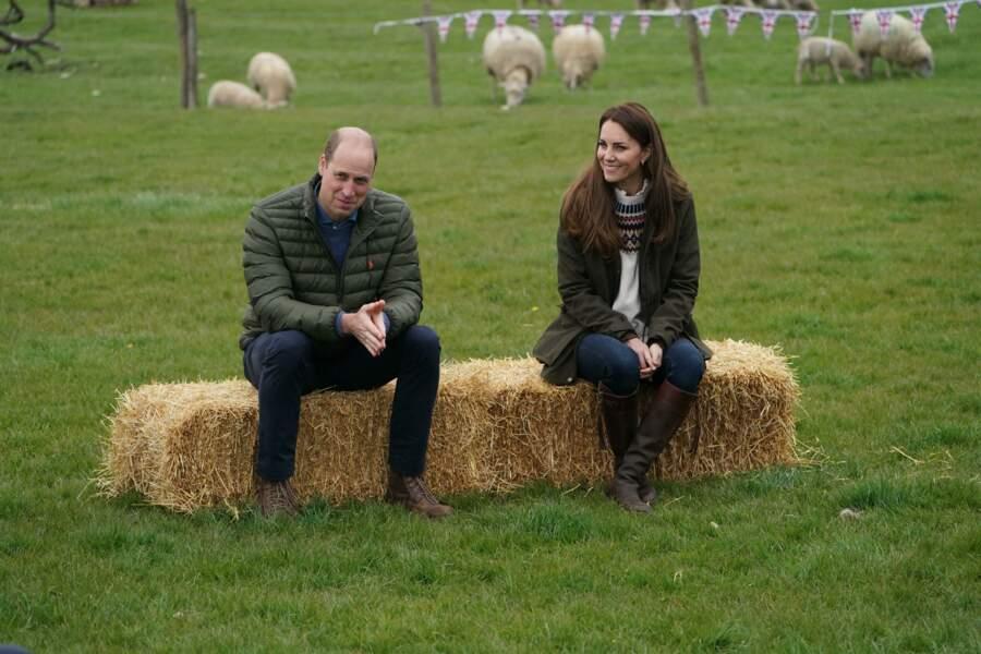 Kate Middleton et William : première visite officielle depuis les obsèques du prince Philip, dans une ferme à Durham, le 27 avril 2021