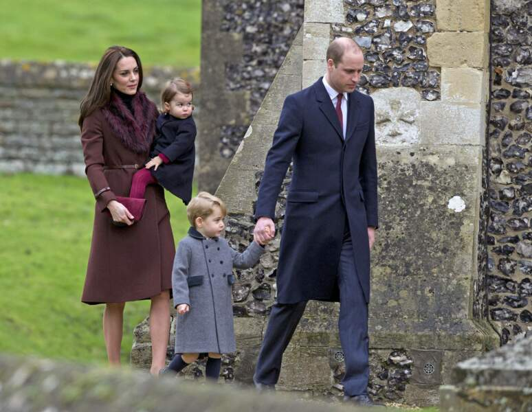 Kate, William, George et Charlotte se rendent en l'église St Mark Englefield, Berkshire, en 2016