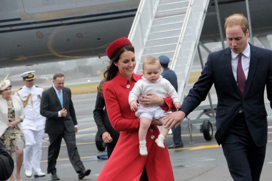 Le prince William, Kate Middleton et le prince George arrivent à l'aéroport à Wellington en Nouvelle-Zélande, le 7 avril 2014.