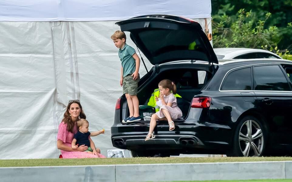Kate Middleton avec ses enfants, le prince George, la princesse Charlotte et le prince Louis lors d'un match de polo de bienfaisance King Power Royal Charity Polo Day à Wokinghan, comté de Berkshire, Royaume Uni, le 10 juillet 2019.
