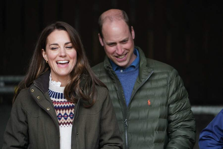 La duchesse de Cambridge Kate Middleton et William, duc de Cambridge, en visite dans une ferme à Durham, le 27 avril 2021