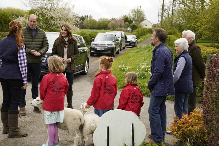 Les Cambridge, Kate Middleton et le prince William rendent visite à une ferme à Durham, le 27 avril 2021