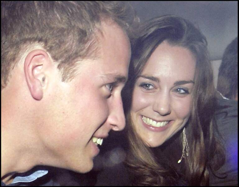 Le prince William et Kate Middleton le 7 décembre 2006 à la sortie d'un nightclub à Londres