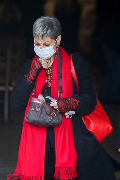 Isabelle Morini-Bosc à la sortie des obsèques d'Yves Rénier en l'église Saint-Pierre de Neuilly-sur-Seine, le 30 avril 2021.
