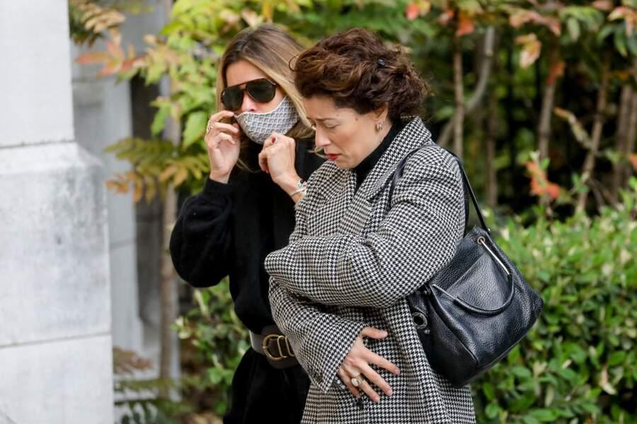 Les filles de Yves Rénier, Samantha Rénier et Lola Zidi-Rénier sont venues assister aux obsèques de leur père.
