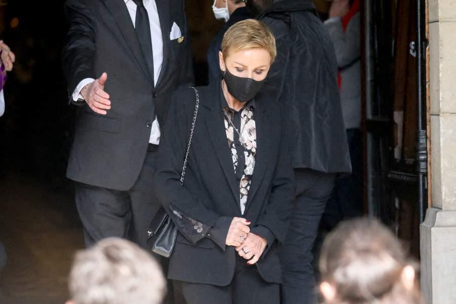 Vive émotion pour Karin Rénier, la femme du comédien disparu le 24 avril dernier.