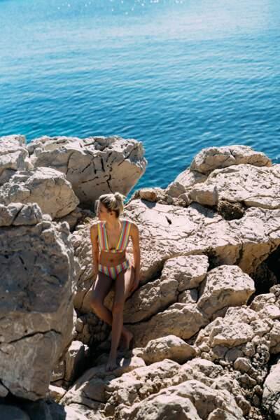 Ensemble de maillot de bain à rayures multicolores, Livystone,  150 €.