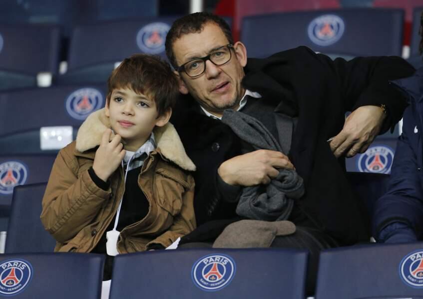 Dany Boon et son fils Eytan au match Psg-Nantes au Parc des Princes à Paris le 6 décembre 2014.