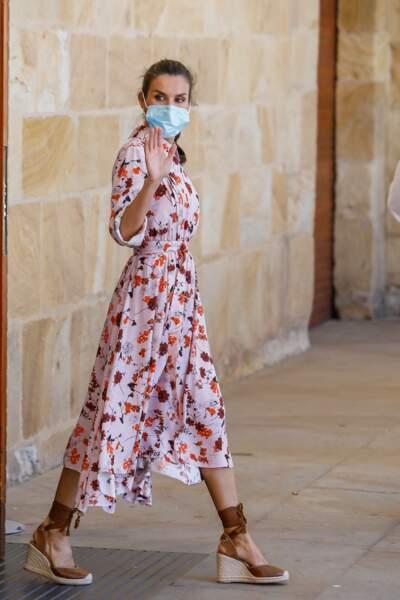 Letizia d'Espagne en robe estivale  Hugo Boss à Soria en Espagne, le 15 juillet 2020