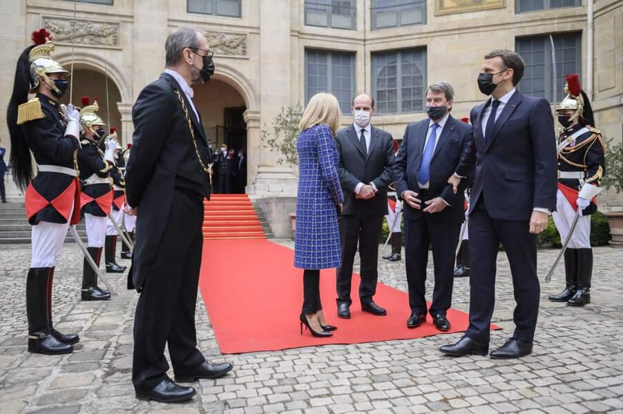 Brigitte et Emmanuel Macron, Jean Castex et Xavier Darcos à Paris le 5 mai 2021
