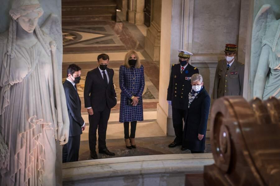 Emmanuel Macron et Brigitte Macron à Paris ce mercredi 5 mai