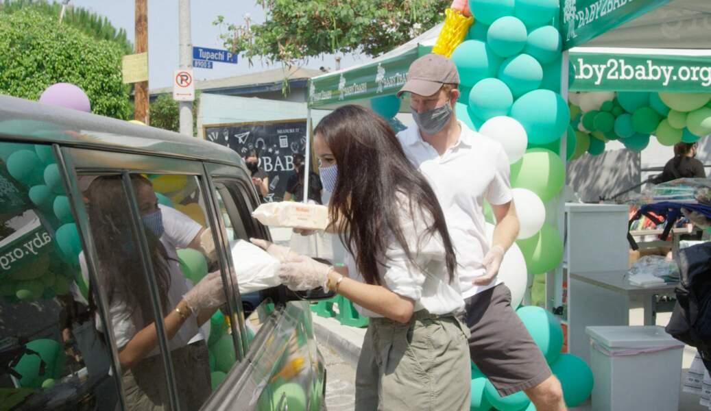 19 août 2020 : Meghan et Harry distribuent des repas à Los Angeles