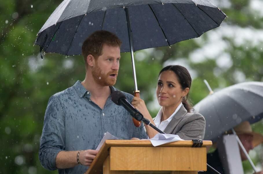 17 octobre 2018 : Harry donne un discours sous le regard de Meghan, à Dubbo