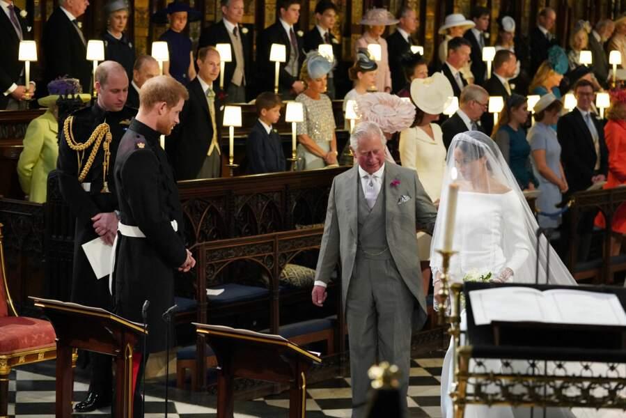 19 mai 2018 : le prince Charles accompagne Meghan jusqu'à l'autel