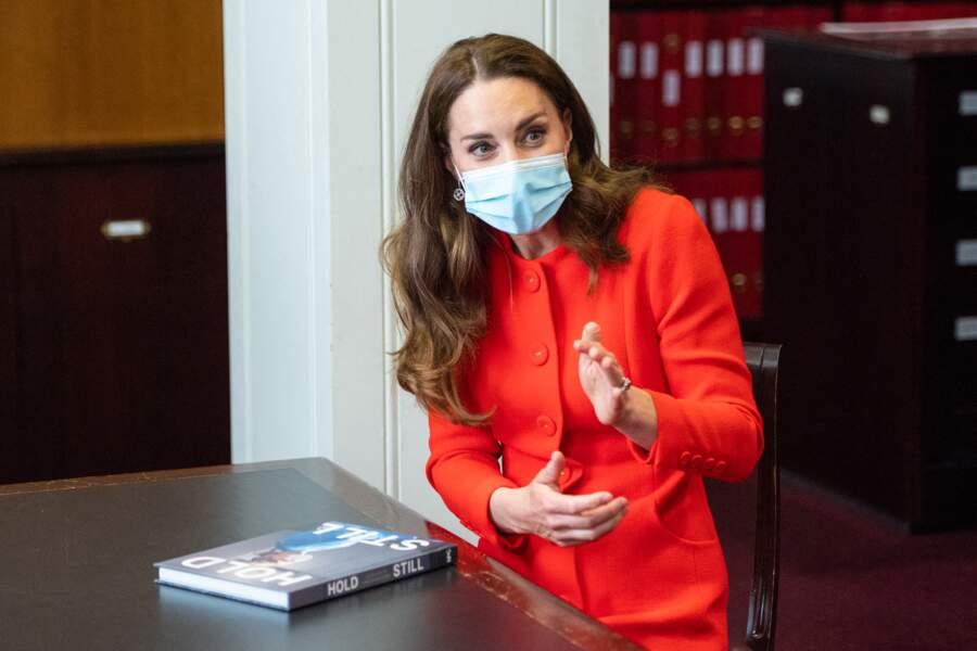 """Kate Middleton publie aujourd'hui (le 7 mai) son tout premier album, """"Hold Still : A portrait of Our Nation in 2020"""", 100 portraits en Grande-Bretagne en pleine pandémie."""