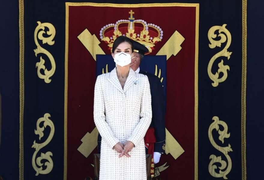 La reine Letizia d'Espagne recycle sa fameuse robe en tweed, le 7 mai 2021.