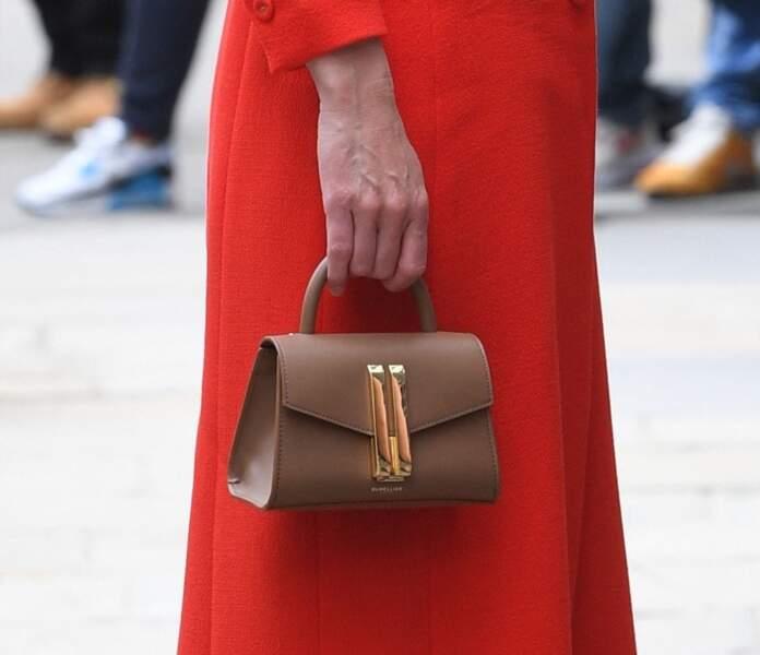 Kate Middleton craque pour un sac à main en cuir DeMellier, la marque fétiche de Meghan Markle.