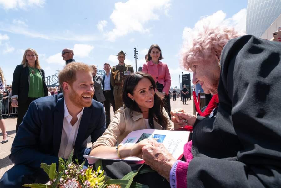 16 octobre 2018 : Meghan et Harry rencontre Daphne Dunne, fervente supportrice du prince