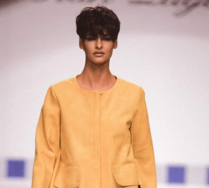 Linda Evangelista et sa fameuse coupe au bol devenue célèbre dans les années 90 et de nouveau à la mode en 2021.
