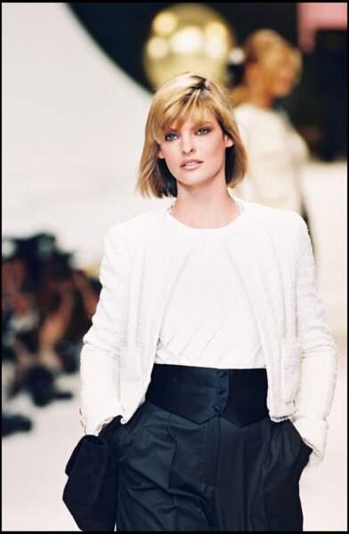 Linda Evangelista, supermodel des années 90 avec son carré classique.